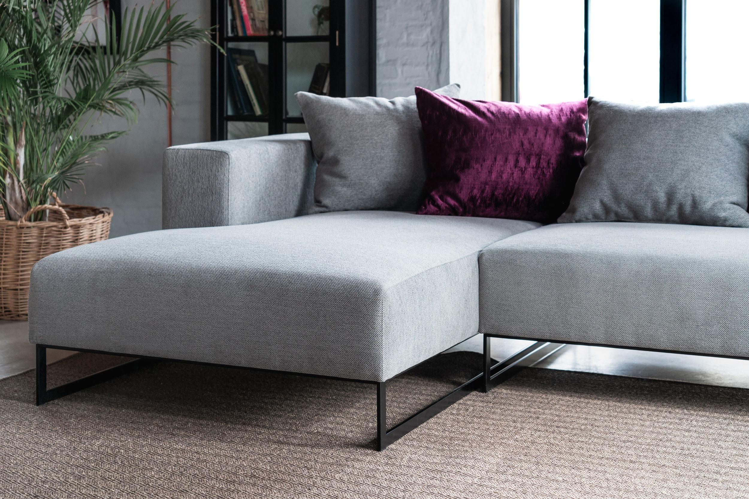 TV21 sofa
